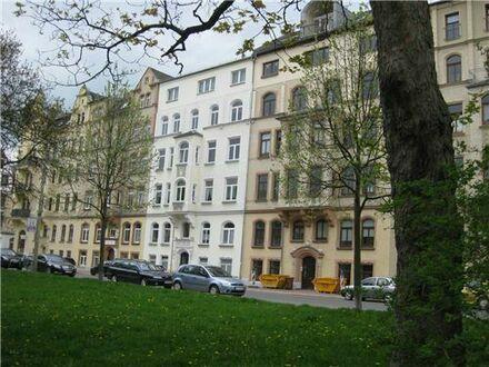 RE/MAX - NEU renovierte 2-Raum WE in bevorzugter Wohnlage mit Balkon