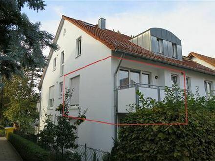 REMAX - Ruhig gelegene 2-Zimmer-Wohnung mit Balkon und Garage