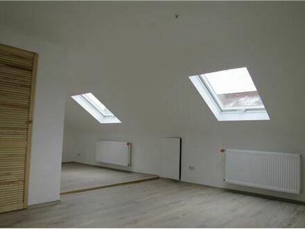 RE/MAX - Interessante Dachgeschosswohnung im Neubaustandard!