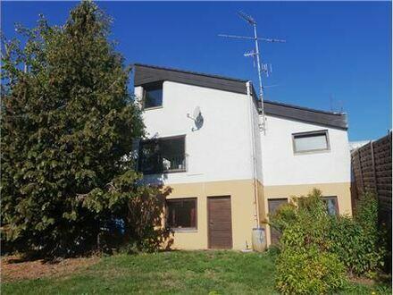 REMAX - Keine zusätzliche Käuferprovision! Uneinsehbarer Atriumhof - viel Platz mit 211m² Wfl - Aussichtslage - 39m² Wohnzimmer