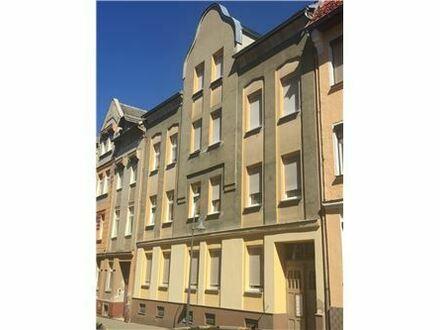 RE/MAX - Kapitalanlage gesucht?... Saniertes MFH inkl. freier DG Wohnung mit Balkon