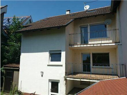 REMAX - Zweifamilienhaus zur Eigennutz oder Kapitalanlage, hier stehen viele Möglichkeiten für Sie offen!