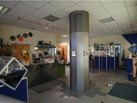 REMAX - Attraktive Lage für Büro, Laden o. ä., ca. 86 m² Nutzfläche