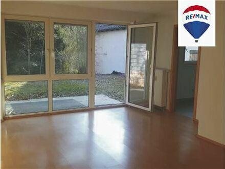 RE/MAX - 2-Zimmer Erdgeschoß-Wohnung mit Garten in Winterbach