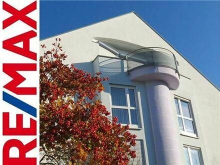 REMAX - RESERVIERT: Penthouse-feeling: 2-Zimmer-Wohnung mit Balkon und Dachterrasse