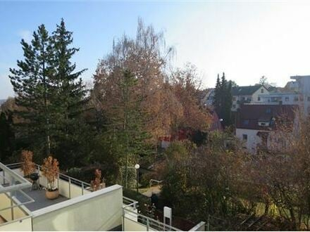 REMAX - Gemütliche 3 Zi.-Wohnung, ca.68 m², Südbalkon, PKW-Stellplatz im Freien