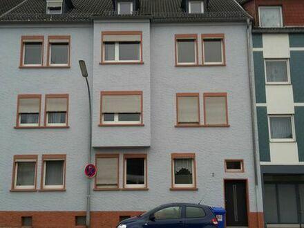 Pirmasens, Güterbahnhofstr. 5 , 2 Zimmer Küche Bad.