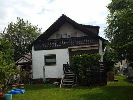 Feucht bei Nürnberg: Sonnige 3-Zi-Wohnung mit gr. Balkon