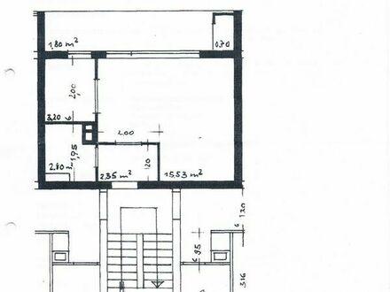 Helle Einzimmerwohnung mit neu saniertem Bad und langem Balkon abzugeben