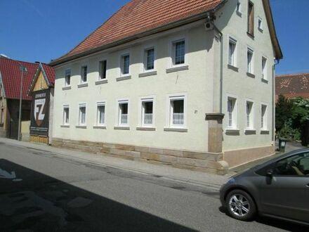 200 qm-Vorderhaus in ehemaligem Weingut mit großem Gemeinschaftsgarten