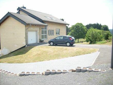 1-3 Familienhaus mit großem Grundstück in herrlicher Ortsrandlage / Feusdorf