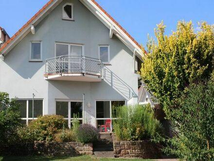 Unverbaubare Feldrandlage und Zentrumsnahe- Gepflegtes Einfamilienhaus in Groß-Umstadt!