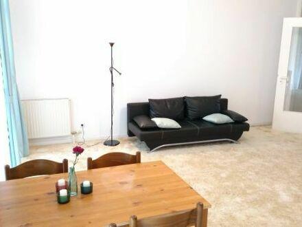 Bild_Ab 16.08, Möblierte 2,5-Zimmer Wohnung + TG-Stellplatz in Steglitz (Unberfrsitet/Befristet)