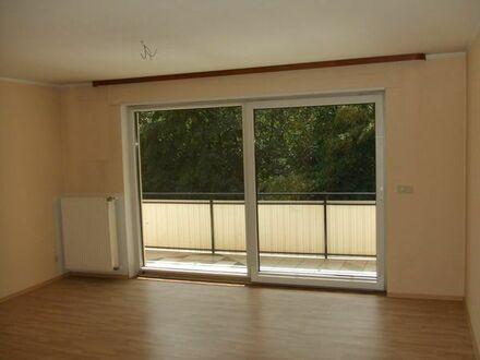 Helle Wohnung nahe KL, 5 Zi., Küche, Bad, Balkon, Garage, 100qm im 1.OG