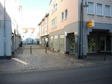Bad Vilbel, zentral (Frankfurter Str.), möblierte 1-ZW, 34m2, Tiefgarage, provisionsfrei, ab 1.2.