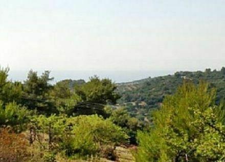Grundstück mit Berg- und Meersicht