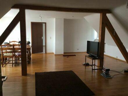 Schöne 3 bis 4- Zimmer Dachgeschoss Studio-Wohnung in Karlsruhe-Neureut