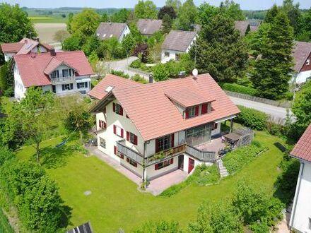Einfamilienhaus mit großem Garten und guter Anbindung zu vermieten