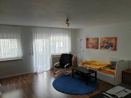 Schöne helle , voll möblierte 1 - Zimmerwohnung in Tiefenbronn - Lehningen, ideal für Porsche/Boschm