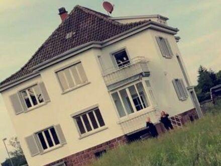Schöne 4 Zimmerwohnung mit Balkon in