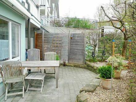 Fast wie Reihenhaus: 3,5-Zi. Garten-Wohnung mit Süd-Ost Terrasse, EBK und 2x TG in Backnang-Maubach!