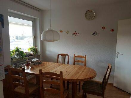 Gepflegte 3,5-Zimmer-Wohnung mit Balkon und Einbauküche in Erlangen (3 km von Erlangen Stadtmitte)