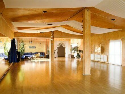 Schöner, großzügiger Raum für Tanz, Yoga, Körperarbeit, Therapeutsche Gruppen oder Einzelarbeit