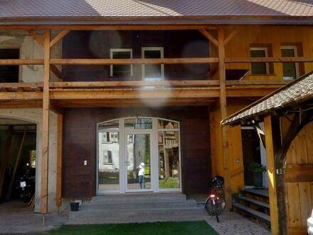 Massives Reihenhaus im Holzhausstiel mit Innen- und Außendämmung