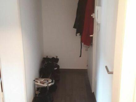 Köln Süd 1 Zimmer Dachgeschoß-Wohnung 30qm mit EBK Teilmöbliert