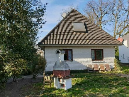 Das Beste aus zwei Welten: Gepflegtes EFH mit großem Garten... Preis: 389.000 EUR