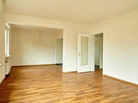 Helle 3 1/2 Zimmer Wohnung komplett renoviert in Esslingen-Berkheim zu vermieten