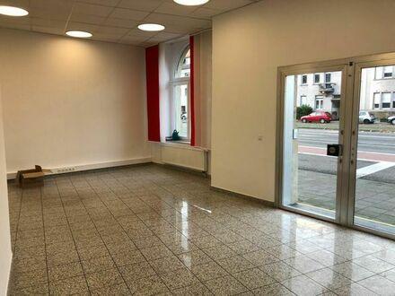 Renovierte Geschäfts- / Büroräume von privat provisionsfrei in Karlsruhe-Mühlburg zu vermieten