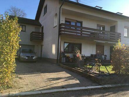 Schöne 3 Zimmer Wohnung mit Garten & Garage