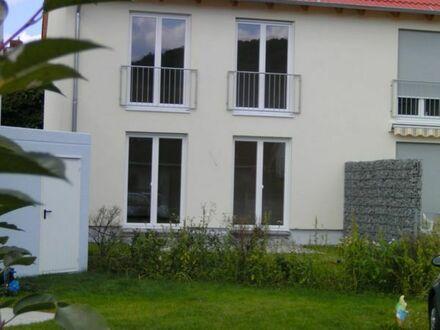 Reihenendhaus in ruhiger Südwestlage, Garten, 4 Zimmer, teilmöbliert
