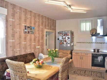 Einfamilienhaus - Garten-Garage . Minfeld-Kandel