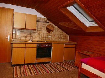 Möbliertes Zimmer mit eigener Küchenzeile in netter Hausgemeinschaft