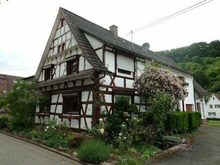 Kinderfreundliches, saniertes, schönes Fachwerkhaus mit 7 Zimmern in Gaggenau - Sulzbach