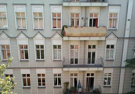 Wunderschöne 1-Zimmer-Wohnung mit Einbauküche & Balkon am Prenzlauer Berg - Berlin