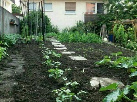 Mehrfamilienhaus mit Garten im Zentrum von Hemmingen ... Keine Marklerprovision ...