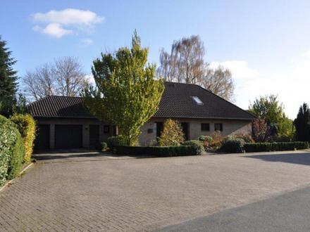 Provisionsfrei! Großzügiges Einfamilienhaus mit Traumgrundstück im Herzen von Wiefelstede!