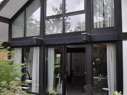 Besonderes Architektenhaus mit Holzständerwerk in ruhiger Lage von Oldenburg-Eversten!