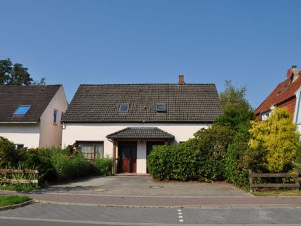Solides Doppelhaus mit Einliegerwohnung in beliebter Lage!