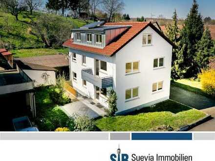 Gepflegtes Zwei- bis Dreifamilienhaus auf einem ca. 1.294 m² großen Grdst. in ruhiger Wohnlage
