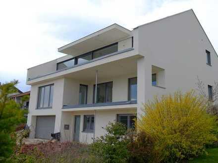 Hochwertiges Wohnen – Erstbezug in hochwertige 4-Zimmer-Wohng. mit Balkon, Einbauküche mit Kochinsel