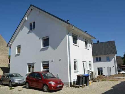 Zum Verkauf: freistehende Doppelhaushälfte in Buggingen