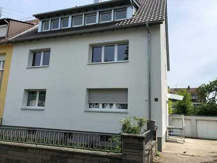 Erstbezug nach Sanierung mit Balkon: exklusive 3-Zimmer-Wohnung in Karlsruhe