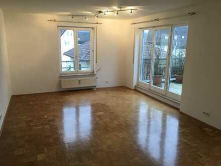 Gepflegte 2,5-Zimmer-Wohnung mit Dachterrasse, Wintergarten und Einbauküche in Vaihingen an der Enz