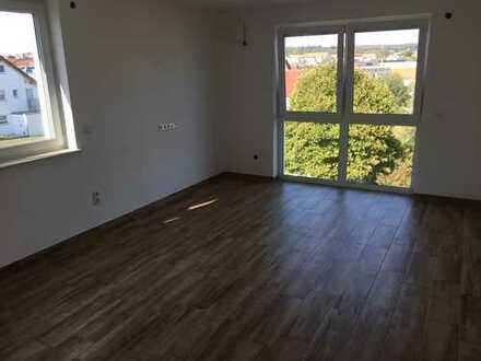 Erstbezug nach Kernsanierung mit EBK und Balkon: exklusive 5-Zimmer-Wohnung in Gärtringen