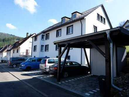Schöne 2 Zimmer Wohnung im 1.OG mit EBK und Stellplatz in Alpirsbach, WM:490€