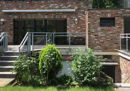 Haus im Haus in Junkersdorf mit Sauna und hübschem Garten